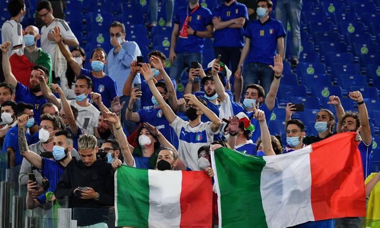 Sottosegr. Salute: 'La Serie A ripartirà con i tifosi negli stadi'