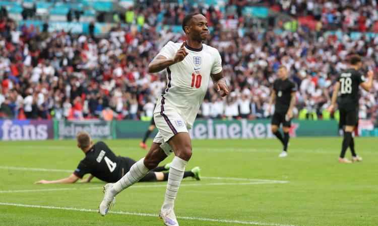 Sterling, l'eroe di Wembley nel destino dell'Inghilterra: dalla Giamaica a erede di Hurst, Germania ko dopo 55 anni