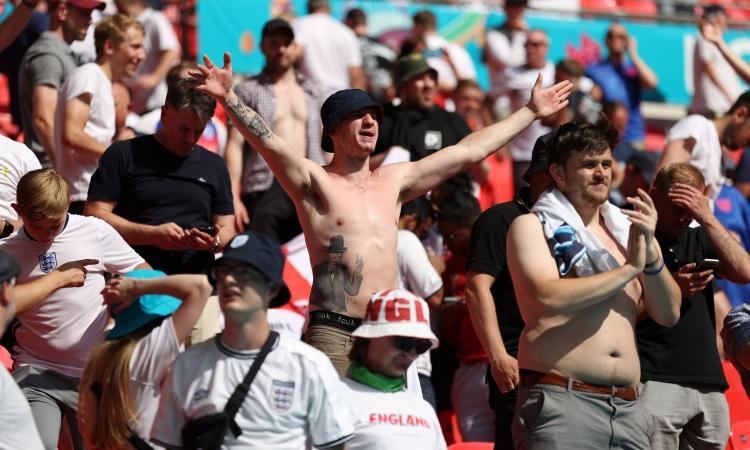Sottosegretario Costa: 'I tifosi inglesi non possono venire in Italia ed entrare allo stadio. Roma può ospitare la finale'