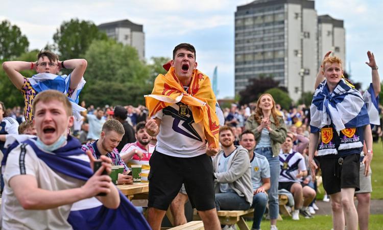 Ministero della Salute scozzese: 'Quasi 2000 tifosi positivi al Covid durante Euro 2020'