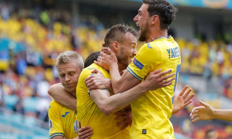 L'Ucraina vola con Yarmolenko e Yaremchuk: 2-1 alla Macedonia del Nord