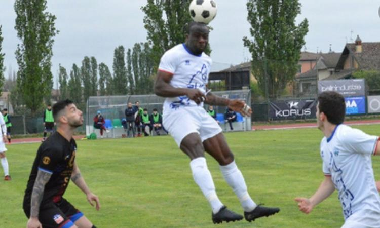 Eccellenza, a Codogno cori razzisti contro Zamble: l'attaccante non ferma la partita e segna il gol della vittoria