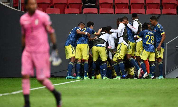 Coppa America, la Colombia vince la finale 3°-4° posto al 94': Lapadula-gol non basta, Cuadrado show su punizione