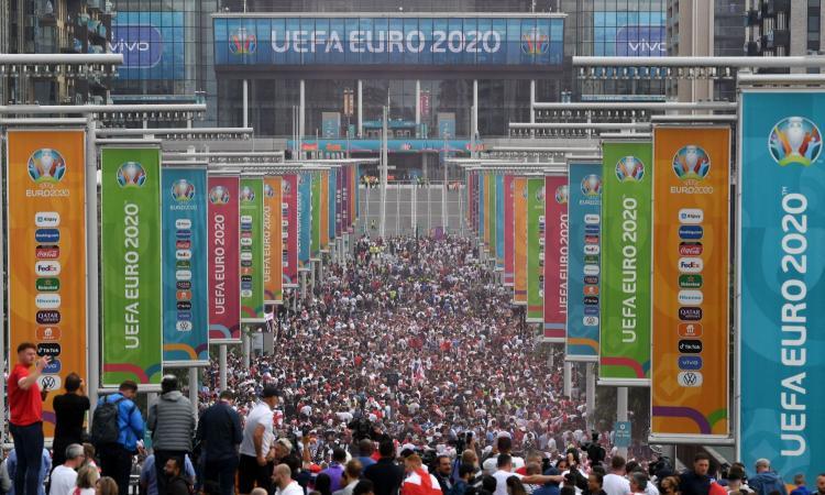 Uefa, UFFICIALE: procedimento disciplinare contro la FA per i disordini di Italia-Inghilterra