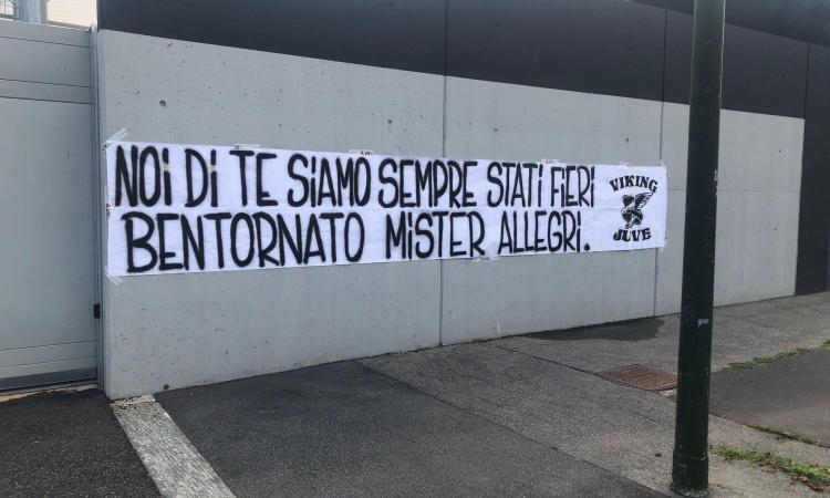 La Curva della Juve riabbraccia Allegri: 'Noi sempre fieri di te. Bentornato' FOTO
