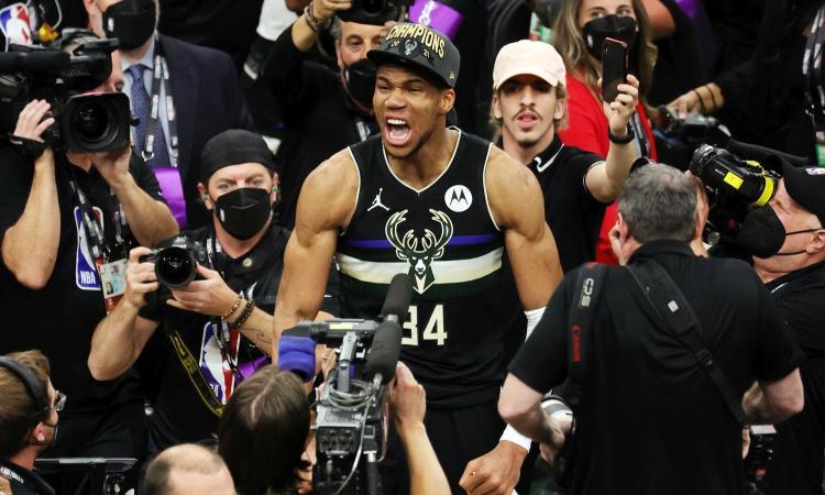 Antetokounmpo è campione NBA! I Milwaukee Bucks vincono anche gara 6 e chiudono 4-2 la serie contro Phoenix.