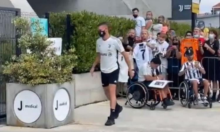 Juve, visita di controllo al ginocchio al JMedical per Merih Demiral VIDEO