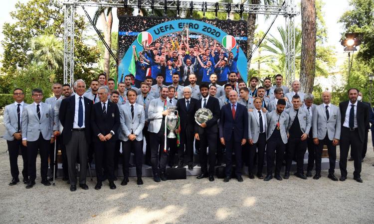 Mattarella ha conferito le onorificenze di merito al gruppo dell'Italia: Mancini Grande Ufficiale della Repubblica