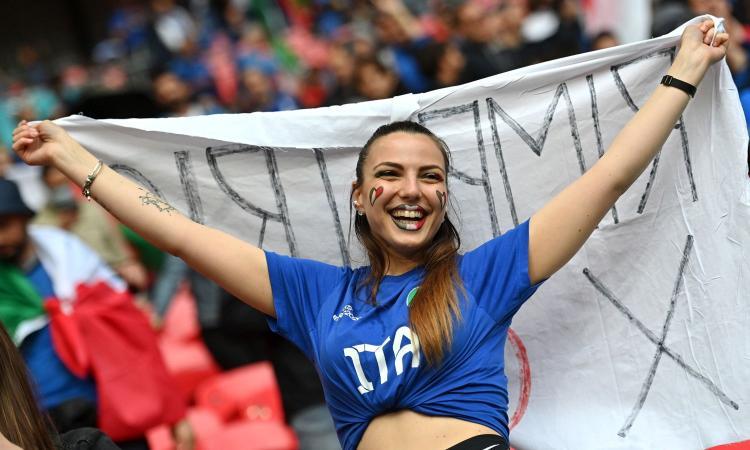 Italia-Spagna: la carica dei tifosi Azzurri a Wembley FOTO