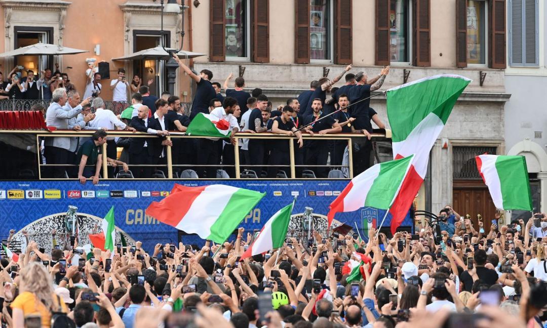 L'Italia chiamò: dopo l'Europeo, uniti contro il virus!