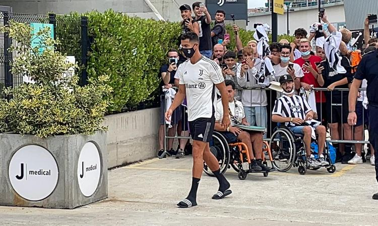 Juve, Ronaldo è tornato ma la partita è aperta: proseguono i contatti tra Mendes e il Psg. E ora parla Allegri