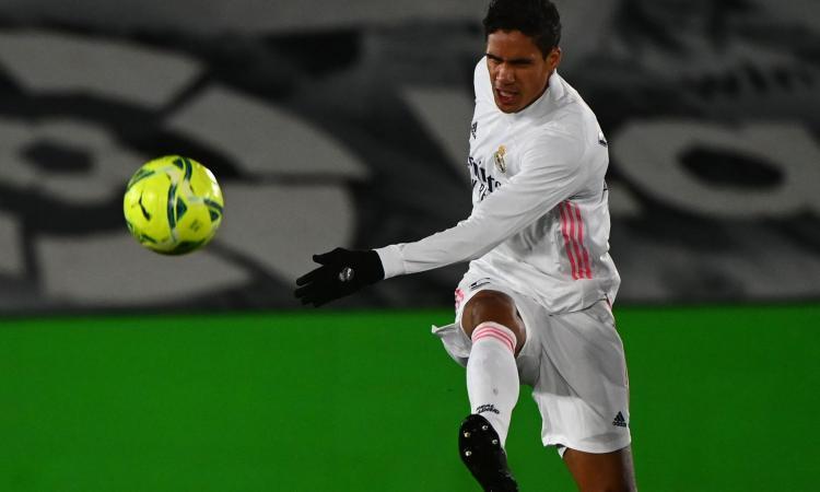 Varane allo United. Da Koundé a Koulibaly fino alle idee da Inter e Milan: Real, è caccia a un centrale