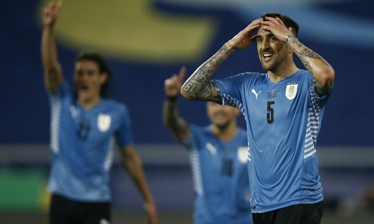 Il Napoli, un mercato complicato e Vidal: Inter, deciso il futuro di Vecino