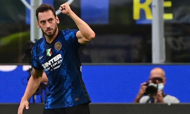 Fifa 22, Inter e Milan svelano i rating: Bastoni scherza con Calhanoglu, Tonali e Giroud... VIDEO