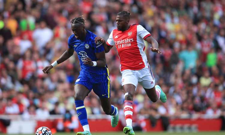 Roma-Abraham: il Chelsea apre al prestito, ma il giocatore vuole l'Arsenal
