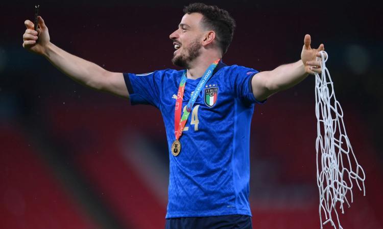 Milan, Florenzi ha firmato: rivivi la sua prima giornata rossonera VIDEO