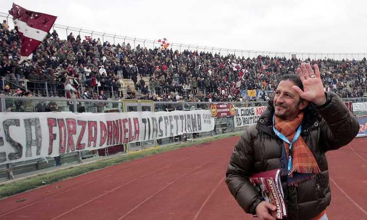 Livorno riparte: dalle bandane per Berlusconi e il gol di Amelia al ritorno di Protti col 'Cortomuso'