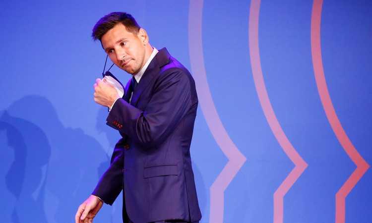 Messi a Parigi, Fifa 22 celebra la super rosa del PSG: 'La nostra prima squadra a sei stelle?'