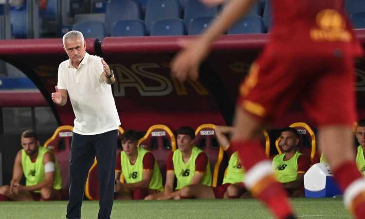 Roma, Mourinho: discorso a cena davanti alla squadra e ai Friedkin VIDEO