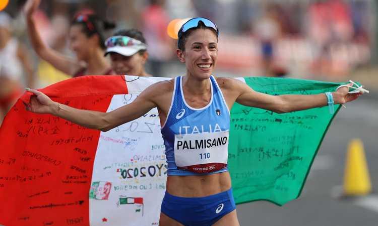 L'oro per il compleanno e il 'Popopo' che fa impazzire l'Italia: Palmisano show, la marcia riparte dalla Puglia