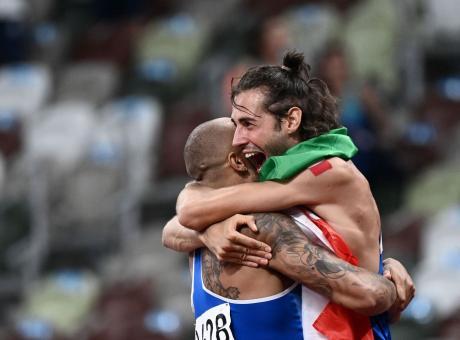 Olimpiadi: TAMBERI NELL'ALTO E JACOBS NEI 100 M, DOPPIO INCREDIBILE ORO!    Primapagina   Calciomercato.com