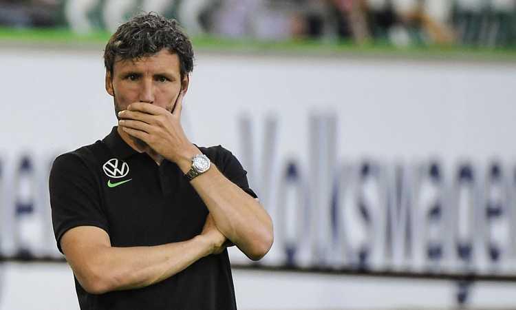 Van Bommel come la Roma: una sostituzione di troppo, Wolfsburg escluso dalla coppa