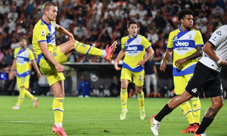 La Juve vede il baratro, poi Chiesa e De Ligt regalano ad Allegri la vittoria sullo Spezia