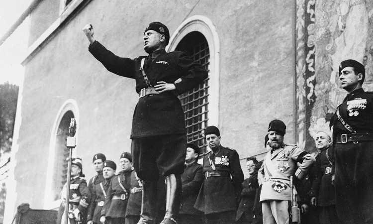 Mussolini e la fuga dei 'traditori' argentini dalla Roma dei campioni del Mondo