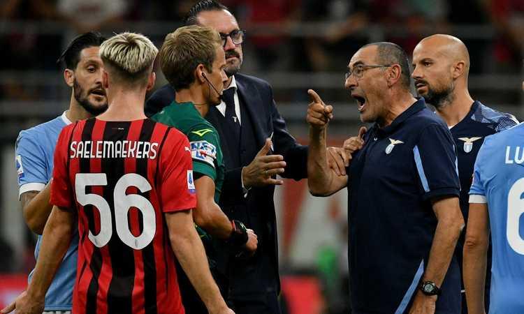 Lazio, due giornate di squalifica per Sarri: 'Atteggiamento intimidatorio con un avversario ed espressioni blasfeme'