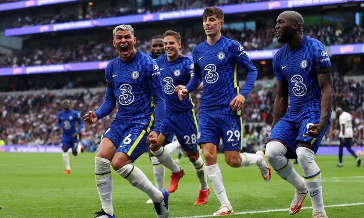 Il Chelsea vince 3-0 il derby contro il Tottenham e vola in testa: segnano Thiago Silva e Rudiger