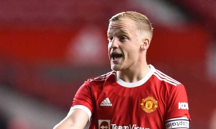 Manchester United: un club torna alla carica per van de Beek