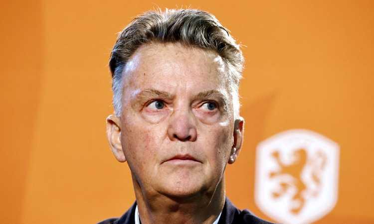 Olanda, van Gaal contro un giornalista: 'Il 3-5-2 può essere super-offensivo. Guarda il Chelsea di Tuchel, molto meglio del City di Guardiola' VIDEO