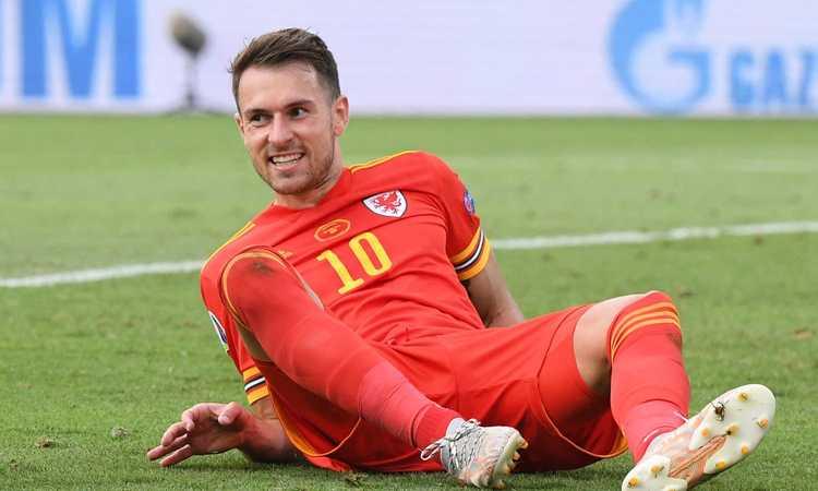 Tifosi Juve insultano Ramsey sotto post per il fratello  FOTO